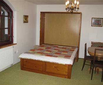 Apartmán B - lůžka v obývacím pokoji
