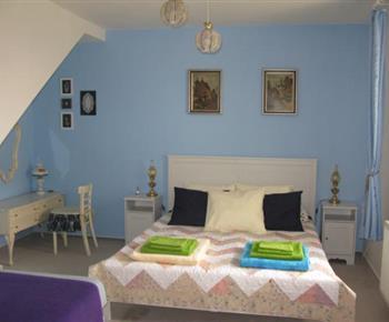 Apartmán A - ložnice s manželským a samostatným lůžkem v přízemí