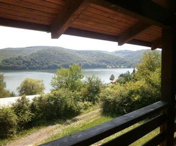 Výhled z chaty do okolí