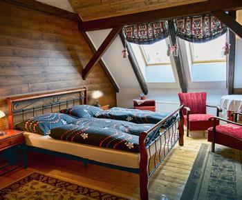 ubytovanie pre 9 osôb 2 postelová izba