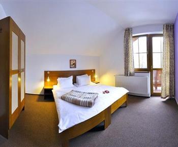 Apartmán se sprchou, toaletou, kuchyní, LED TV, satelitem, Wi-Fi a terasou nebo balkonem