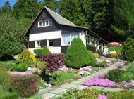 Chata V Rozkvetlé zahradě