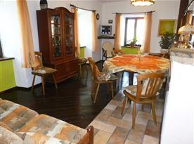obytná kuchyně v Domě - zóna odpočinková a jídelní