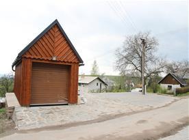 Parkovací stání a garáž/sklad