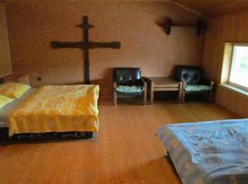 Ložnice B v patře
