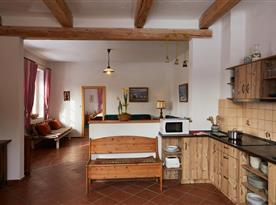 Propojená kuchyně s obývacím pokojem