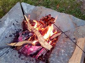 ohniště na opékání špekáčků
