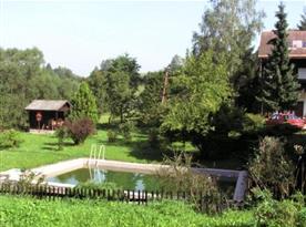 Společný venkovní bazén