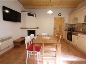 Kuchyně se společenskou místností