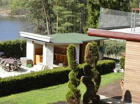 Pohled na zahradní kuchyń pro párty