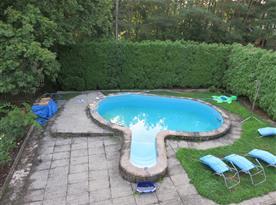 Venkovní bazén u chalupy
