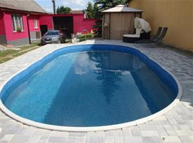 Bazén na dvoře