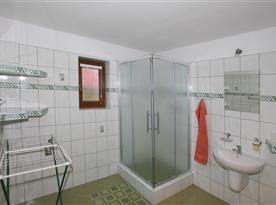 kúpelňa z 8 os. apart.