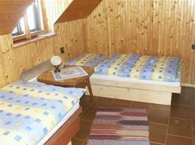 Podkrovní pokoj s lůžky